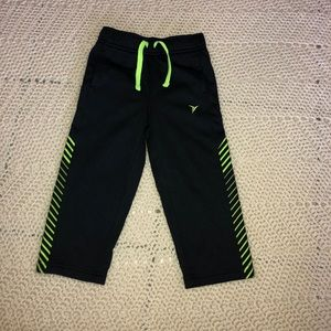 Old navy active  black and neon yellow 2t pants